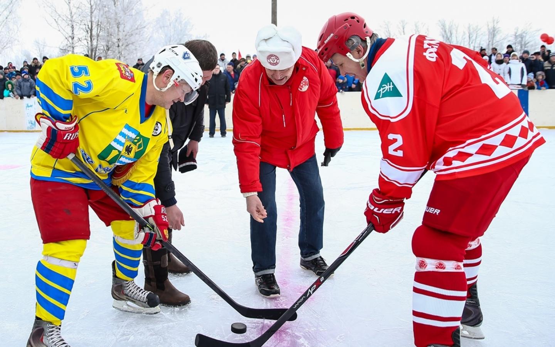 Легенды хоккея встретились с командой подмосковных Озер
