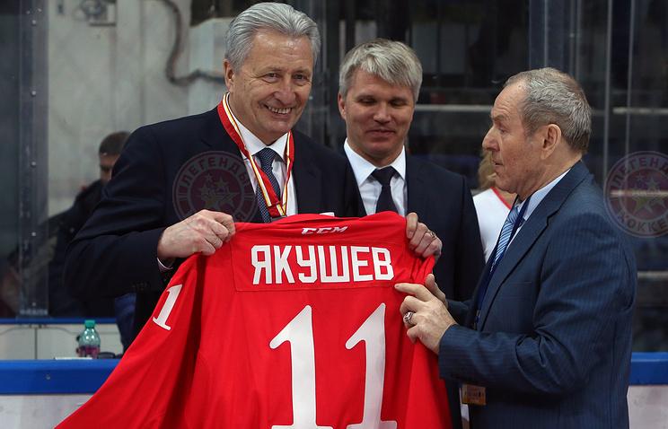 Награждение Александра Якушева