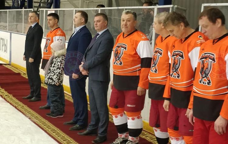 В Нижневартовске состоялся турнир по хоккею, посвященный 20-летию «Самотлорнефтегаза»