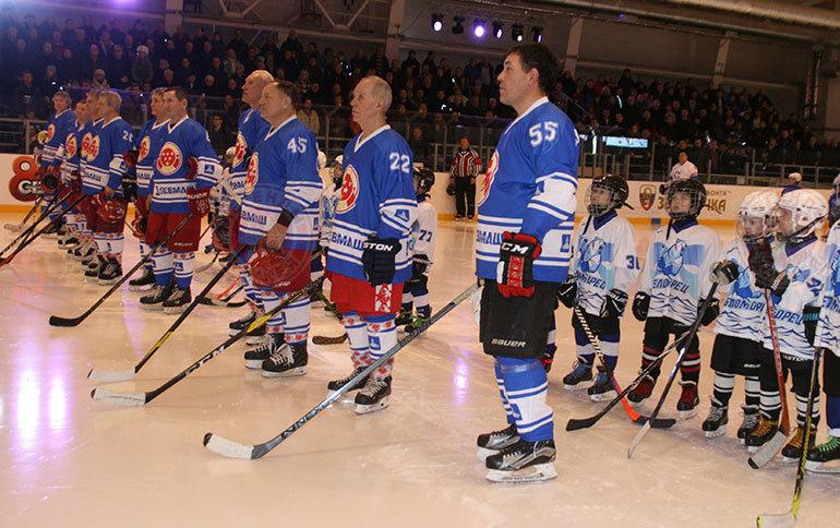 «Легенды хоккея» сыграли со сборной Северодвинска